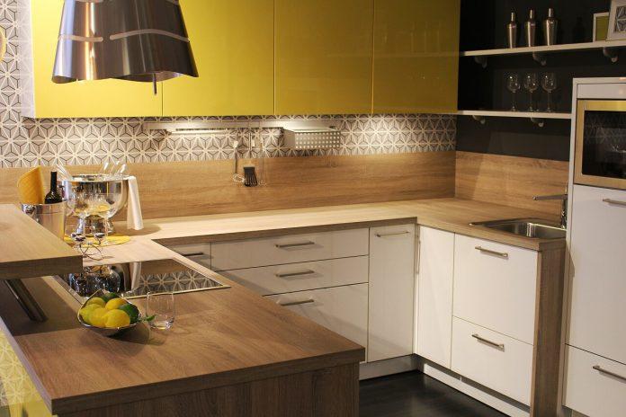 szafki narożne w małej kuchni